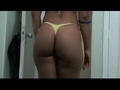 esposa gostosa mostrando o rabo (HD 720p)