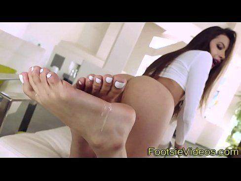 Little latina feet jizzed