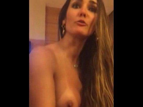 Carol Muniz em video intimo depois do sexo caiu na net