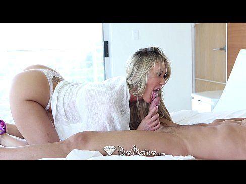 PureMature - Sexy cougar Brandi Love fucks Johnny Castle