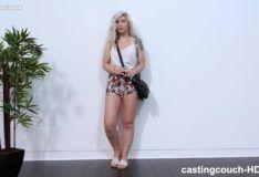 Primeiro porno da novinha de 18 anos